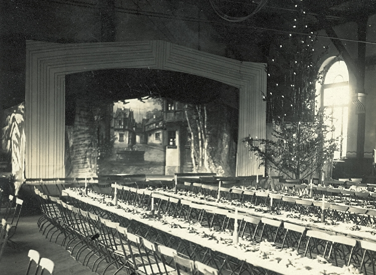 Bild 4 - Weihnachten in der TUrnhalle